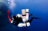 Technical diver deploying DSMB